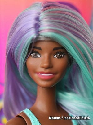 2020 Color Reveal Barbie, mint swimsuit (Alec Face with wig)