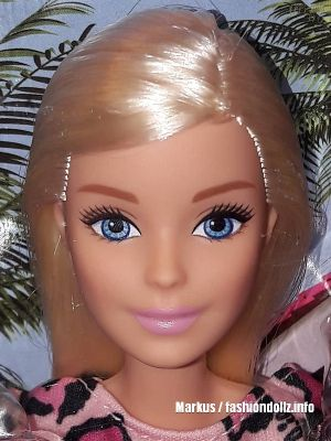 2020 Fashion Barbie (Heart Dress)