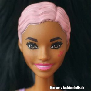 2020 Color Reveal Wave 3 Barbie - Rainbow