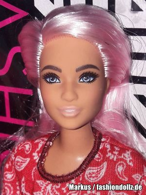2020 Fashionistas Barbie #151 GHW65 (Curvy)