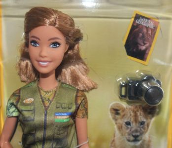 2019 National Geographic Barbie - Wildlife Photographer GDM46