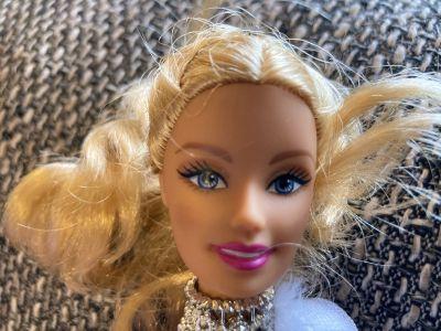 2010 Barbie in a Mermaid Tale R4200