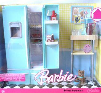 Deluxe Möbel - Kühlschrank und Servierwagen Mattel 2006 Bild #01