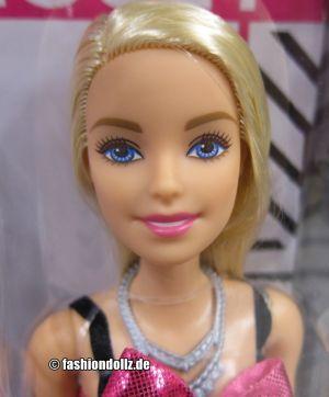2020 Fashionistas Dream Closet Barbie GBK10