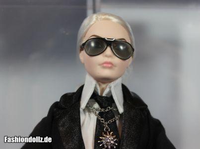 Mit Brille - Karl Lagerfeld Barbie 2014 03