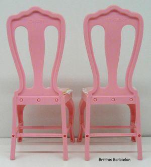 Tische und Stühle von Mattel Bild #022