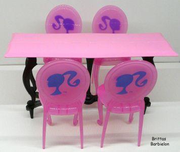 Tische und Stühle von Mattel Bild #052