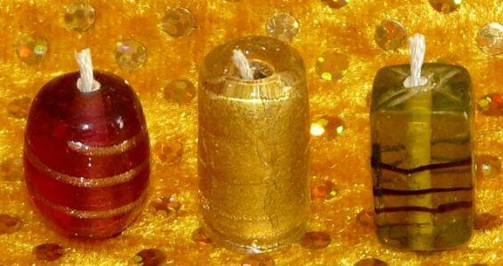 Weihnachtskerzen aus Perlen