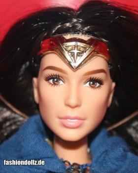 2016 Gal Gadot as Wonder Woman, Dawn of Justice Amazone Princess (Gold Label)