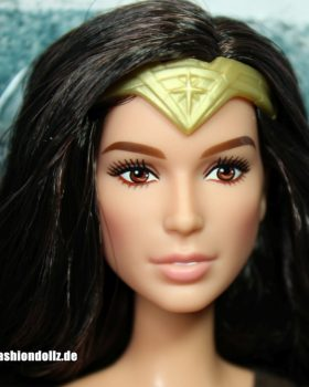 2016 Gal Gadot as Wonder Woman, Dawn of Justice (Black Label)