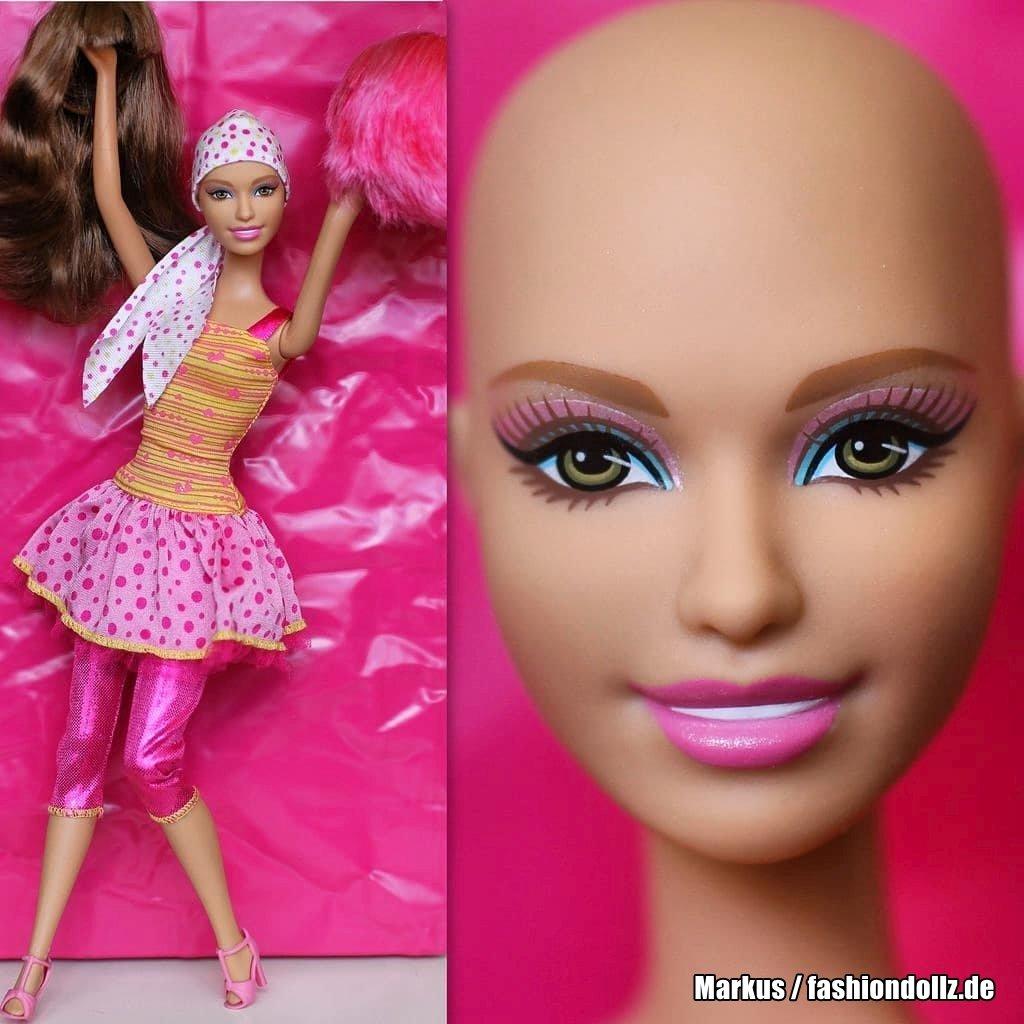 2013 Ella - Friend of Barbie Y6861