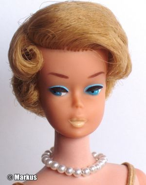 1965 Sidepart Bubble Cut blonde