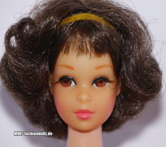 1969 Twist and Turn Francie, brunette Short Flip #1170