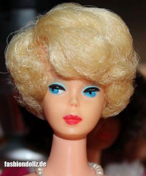 1971 Sidepart Bubble Cut Pink Skin blonde