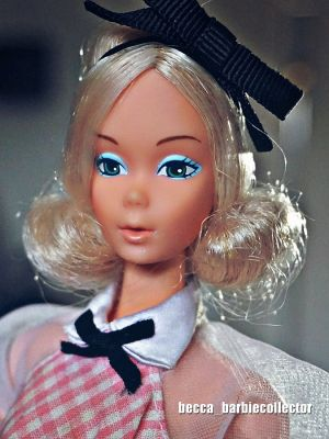 1976 Deluxe Quick Curl Barbie #9217