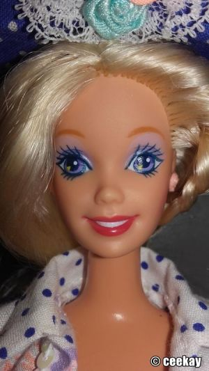 1992 Teen Talk Barbie, blonde - blue hat