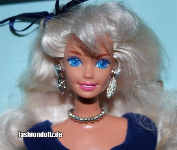 1995 Winter Velvet Barbie - Avon Exclusive #15571