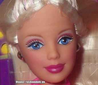 1999 Beyond Pink featuring Barbie #20017