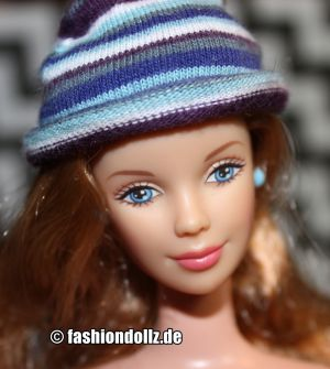 1999 Corduroy Cool Barbie, blonde #23658