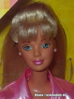 1999 Make A Valentine Barbie #20339