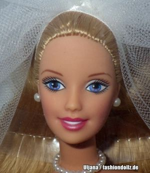 2000 Blushing Bride Barbie - Avon Exclusive #26074