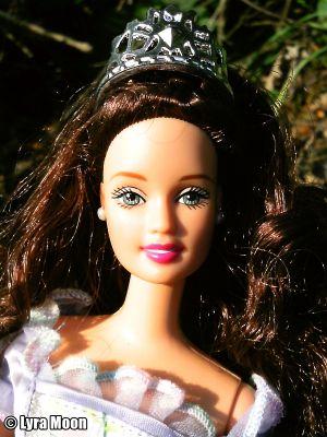 2001 Princess Barbie,  brunette #28231