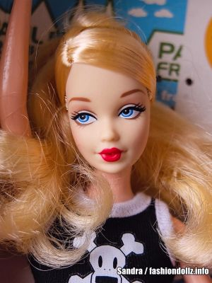 2004 Paul Frank Barbie B8954 Gold Label