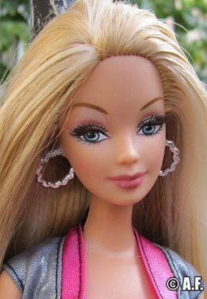 2005 Fashion Fever Make Up Chic Barbie J4181