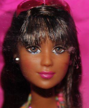 2006 Barbie Beach Fun - Lea J0701