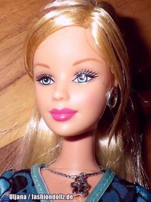 2006 Fashion Fever - Entertainment Center Barbie J0673