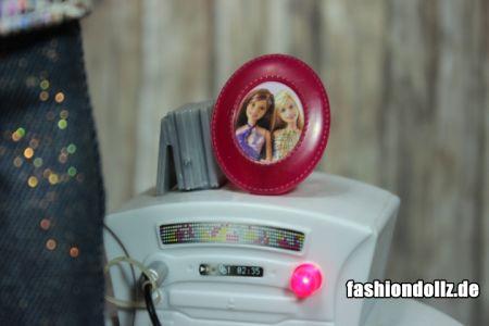 2007 Barbie Chat Divas   K8397