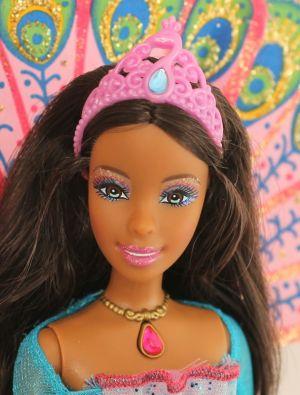 2007 Barbie as the Island Princess -       Rosella AA #K8104
