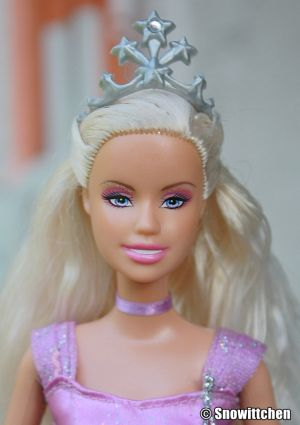 2008 Barbie as Annika N5034