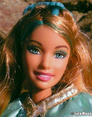 2009 Barbie & The Three Musketeers Aramina