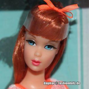 2009 Twist 'N Turn Barbie Doll, Repro N4976