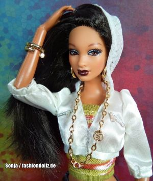2009 So In Style - Stylin' Hair Trichelle  P8327