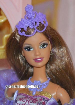2009 Barbie and the three Musketeers -   Viveca P6157