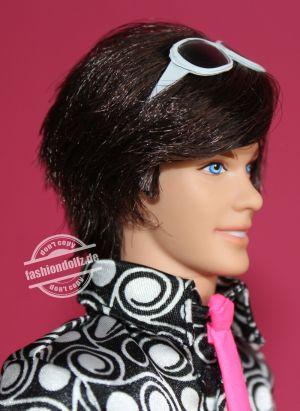 2009 Pop Life Ken #       N6611