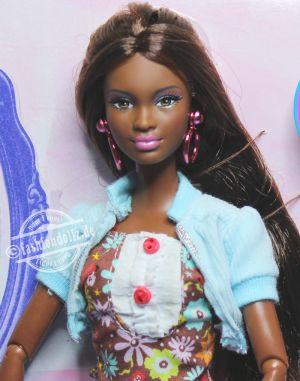 2009 So In Style - Stylin Hair Kara  P8328