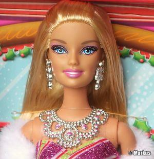 2011 A Perfect Christmas -      Barbie Singing Set #V6986