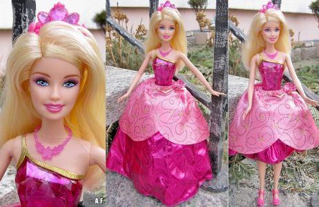 2011 Barbie in Princess Charm School -    Princess Blair V6827