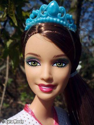 2011 Barbie in Princess Charm School -  School Girl Hadley #V8702