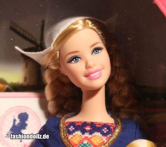 2012 Dolls of the World - Holland W3325