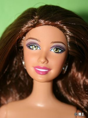 2012 Hairtastic Cut & Style Barbie, brunette W3911