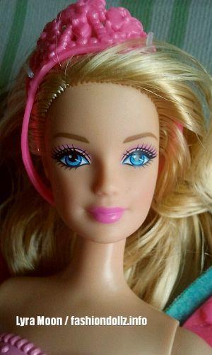 2013 Flower 'n Flutter Fairy Barbie - blonde W4469