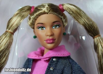 Valencia -          Prettie Girls, One World Doll Project (2013)