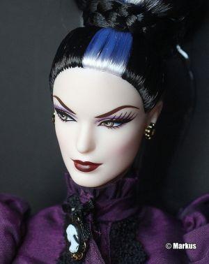 2014 Haunted Beauty - Mistress of the Manor