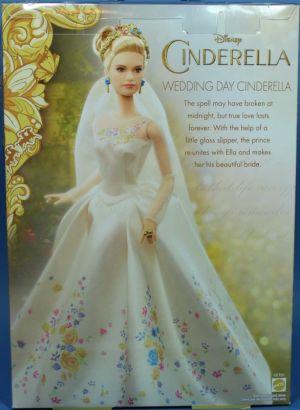 2015 Lilly James as Cinderella, Wedding Day (3)