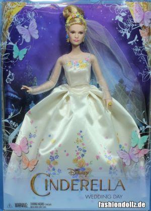 2015 Lilly James as Cinderella, Wedding Day (2)