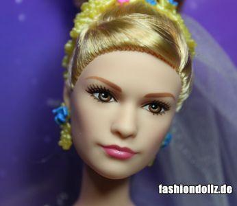 2015 Lilly James as Cinderella, Wedding Day (8)